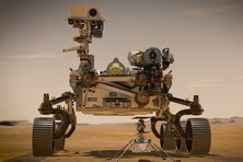 Recreació artística del rover Perseverance sobre la superfície de Mart. Crédit de la imatge: NASA/JPL-Caltech.