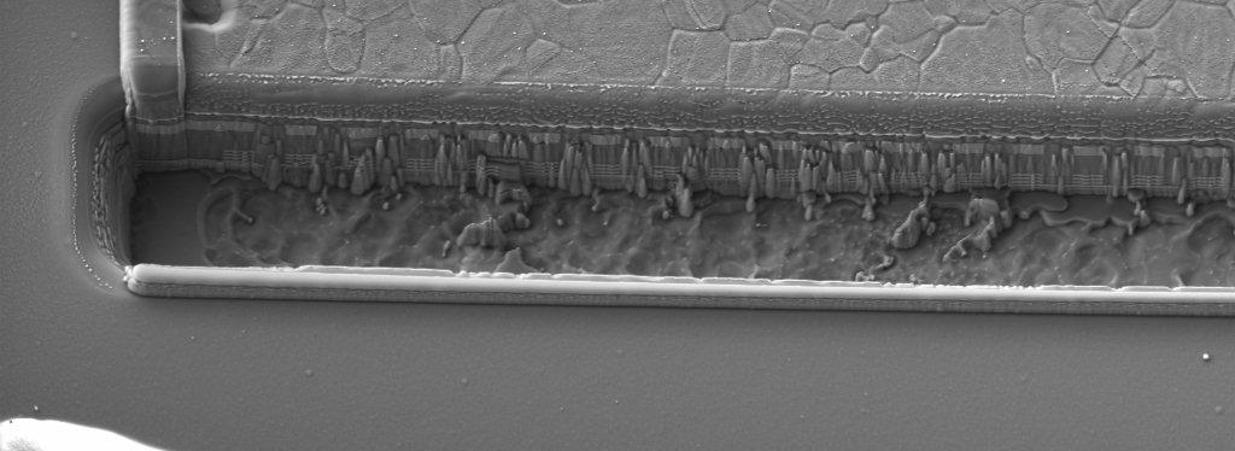 Imatge de proves fetes sobre circuit detector d'atac físic realitzat al hardware d'un Circuit Integrat
